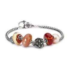 This is an image of the product Bracelet of July