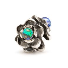This is an image of the product Three Flowers Bead, Silver