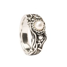 This is an image of the product Jugendpearl Ring