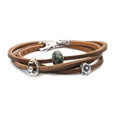 This is an image of the product Bracciale in Cuoio Armatura del Cuore
