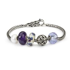 This is an image of the product Bracelet of February