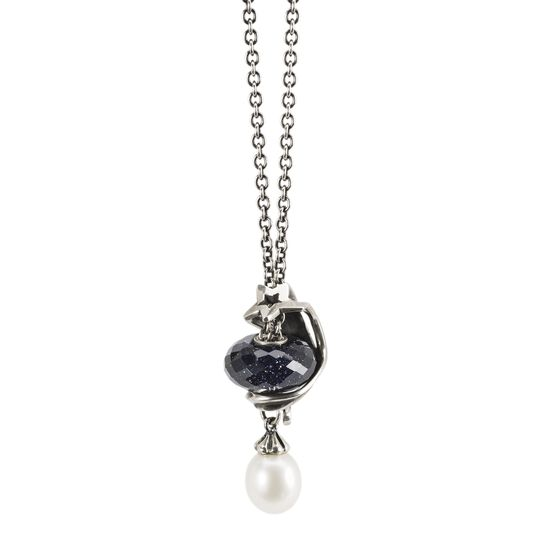 Fantasy Necklace With White Pearl