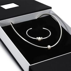 This is an image of the product Exclusive Silver Bangle Gift Set