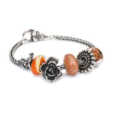 This is an image of the product Bracelet of June