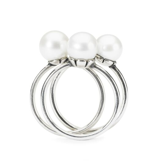 Delicate Pearl Ring