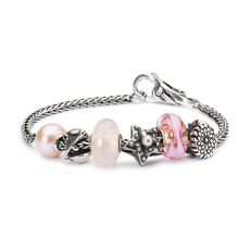 This is an image of the product Bracelet of October