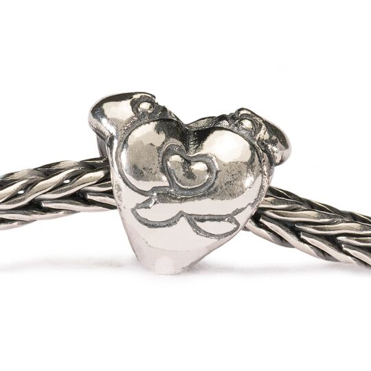 Hugging Heart Bead