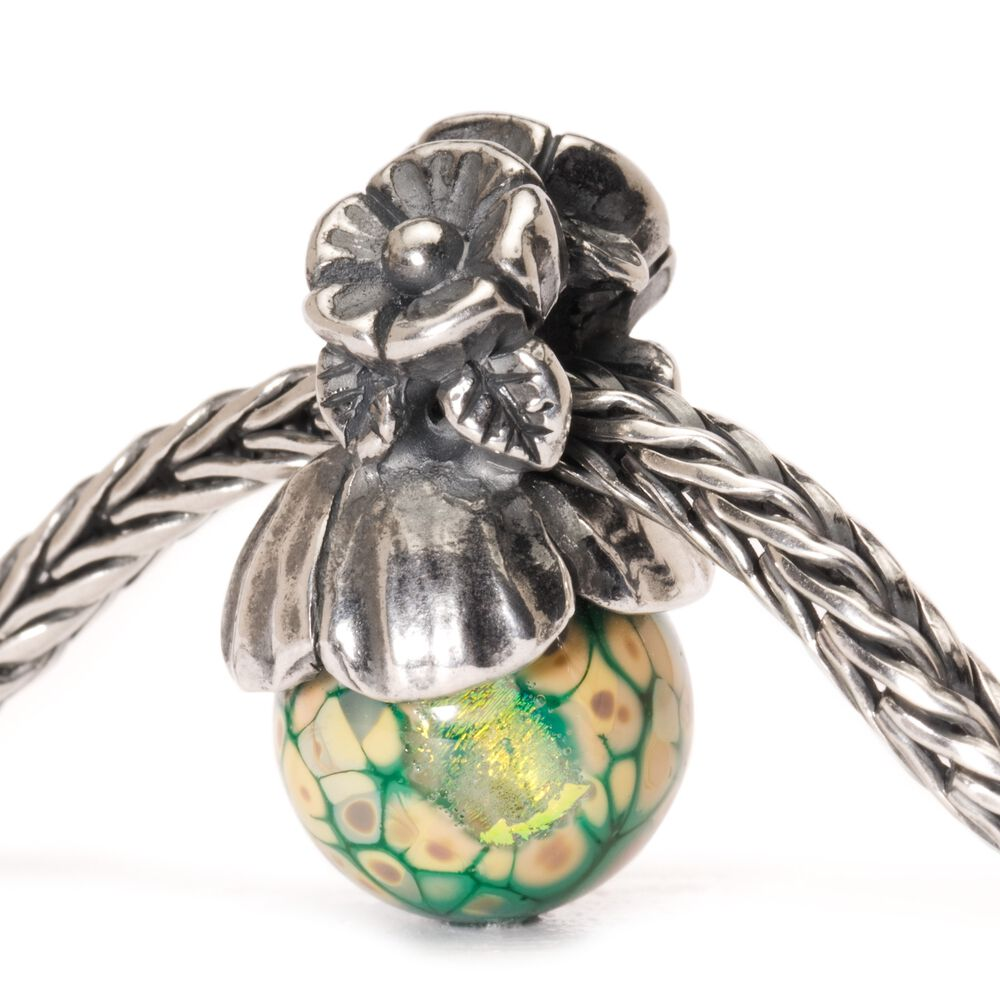 Forget-me-not with Bud Tassel Bead