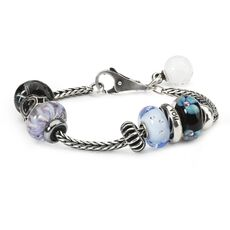 This is an image of the product Trollbeads Trick February