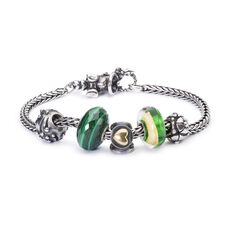 This is an image of the product Bracelet of the Month December