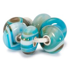 This is an image of the product Série d'agates striées de turquoise