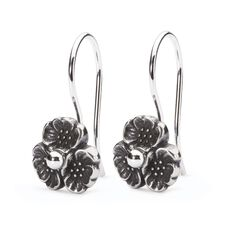 商品 Cherry Blossom Earrings with Silver Earring Hooks の画像です