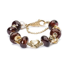 This is an image of the product Delicate Moments Bracelet