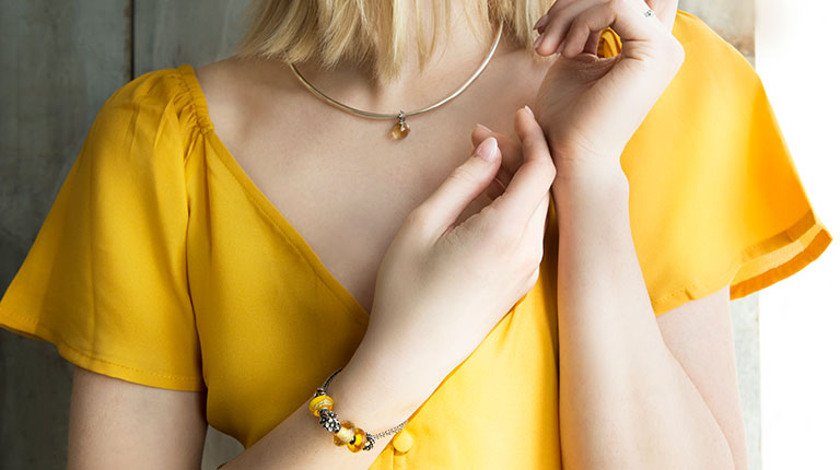 Click to shop bridesmaid jewellery in yellow colours