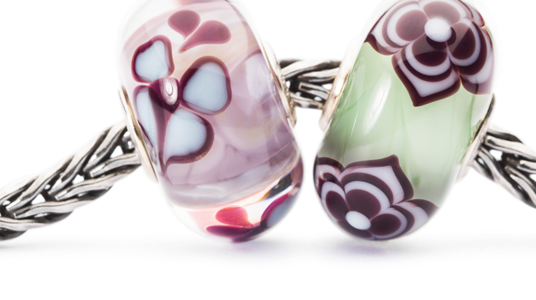 Beautiful unique Trollbeads in purple, green and mauve colours