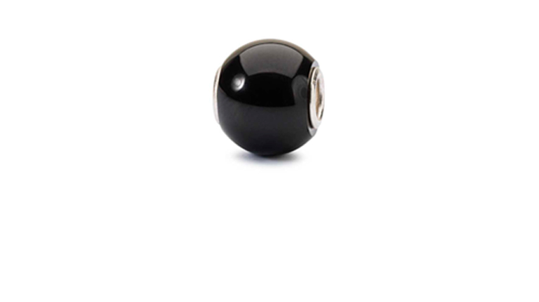 Round Black Onyx is a true power gemstone and is said to help you make the right decisions