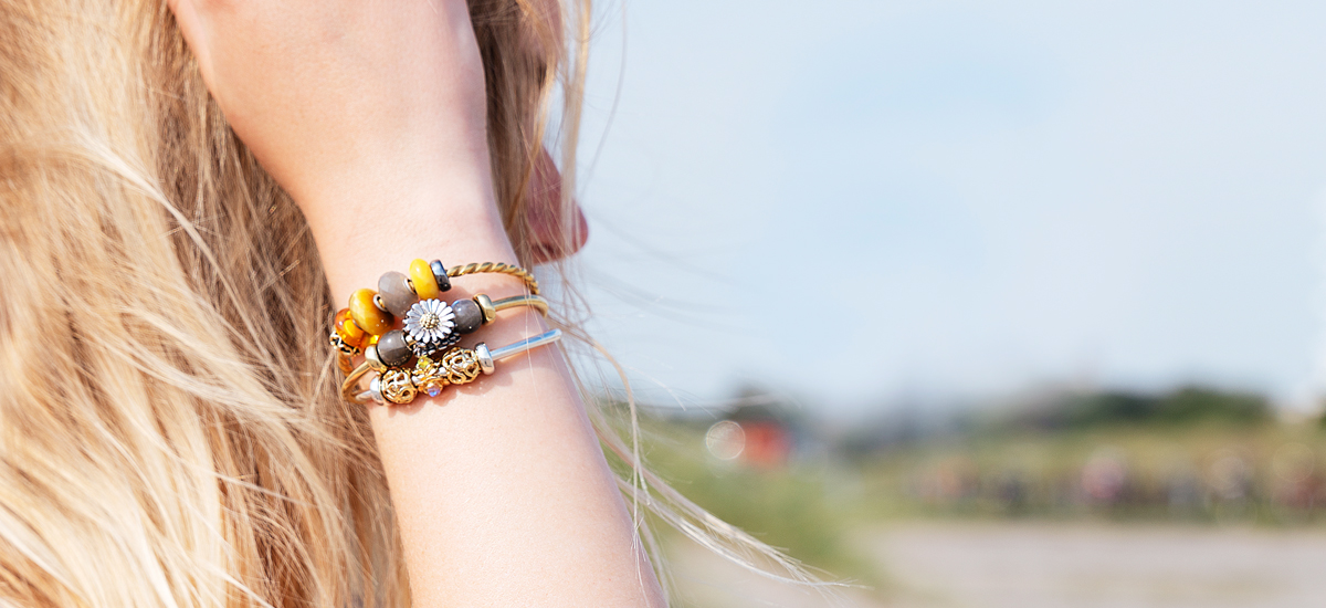 Bangles with flower