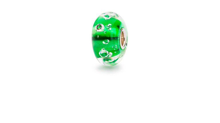 The Diamond Bead, Emerald Green is embedded with 13 cubic zirconias