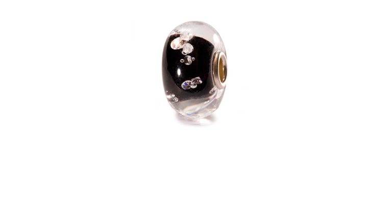 The black Diamond Bead is embedded with 13 cubic Zirconias