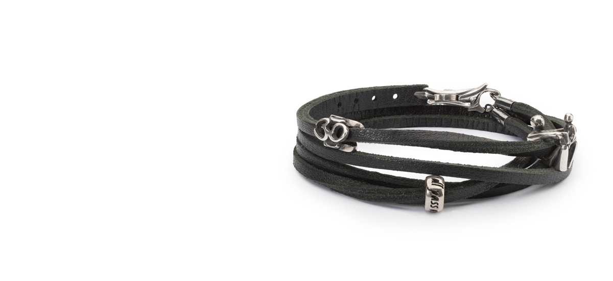 Black leather bracelet with 3 silver beads