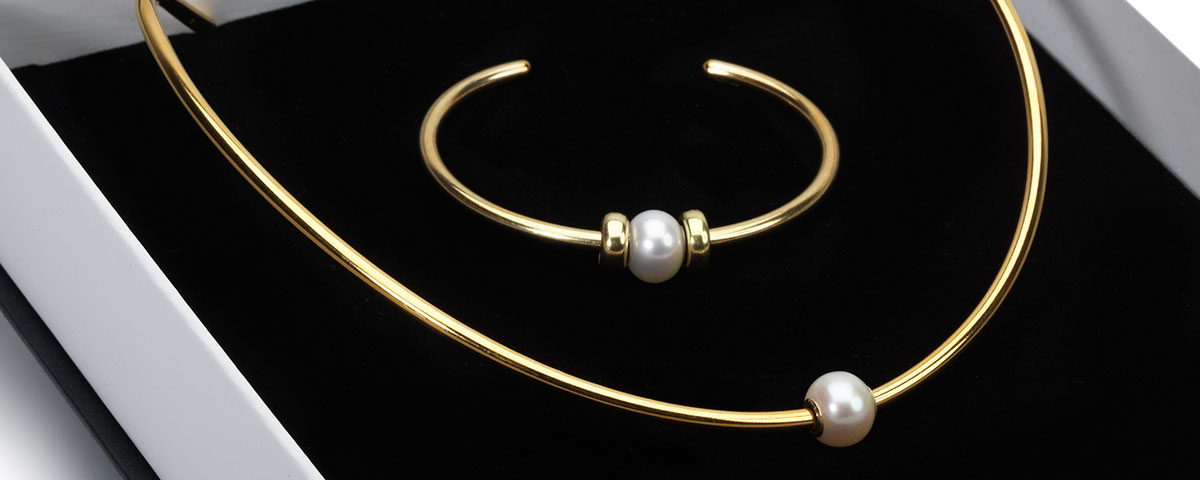 Gift box with Gold Plated Neck Bangle and Bangle with white pearl bead